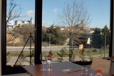 ventana-salon-hotel-pago-del-olivo